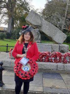 Photo of Mayor Cllr Lora Peacey Wilcox at Cowes War Memorial